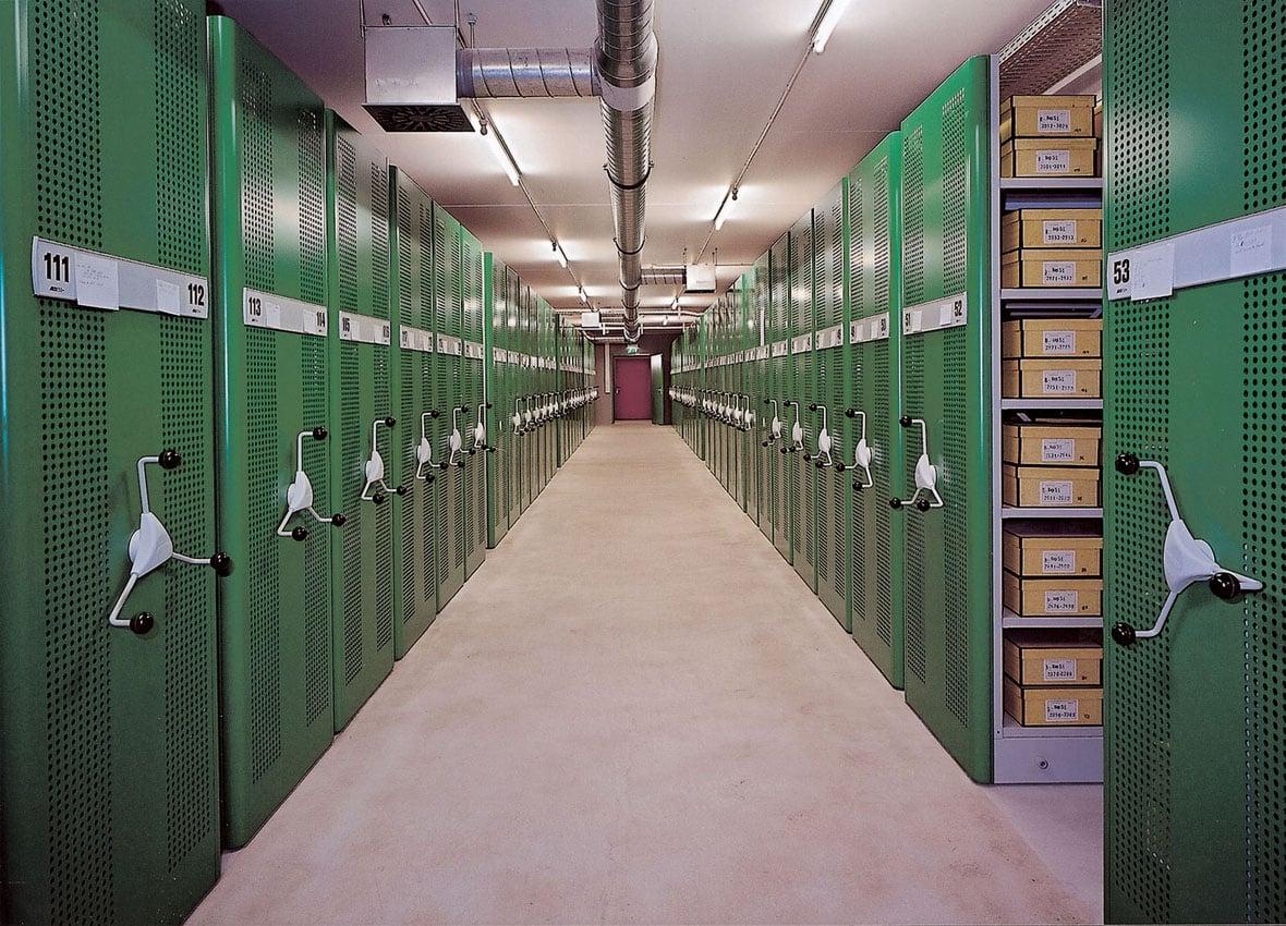 Archiv Rollregal
